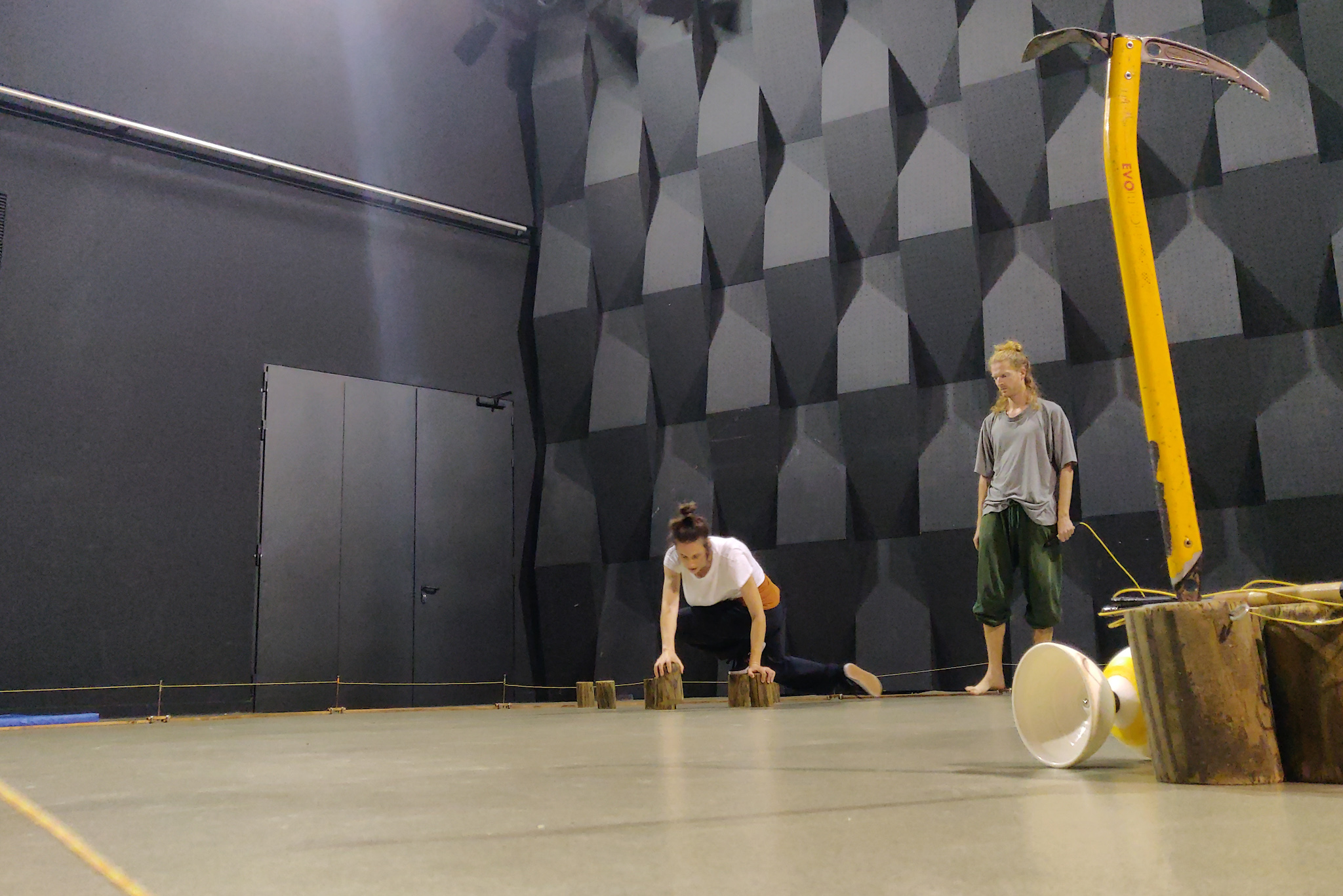Dame du Cirque En Fabricació #3 a La central del Circ | Blog | troposfera.xyz by Dídac Gilabert